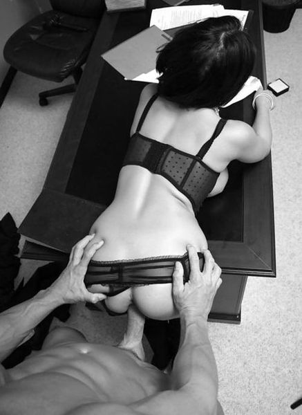 Je baise avec ma secrétaire